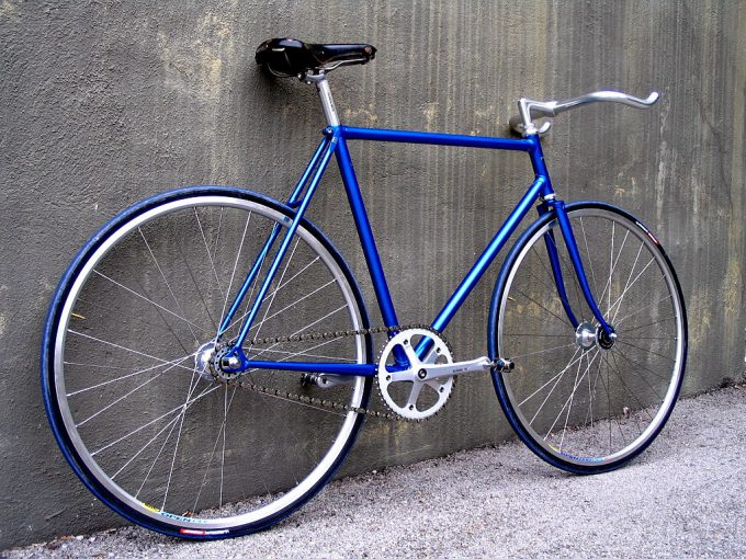 Fixed gear freestyle